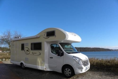 Hire a motorhome in Neuberend from private owners| Ahorn Familiencamper