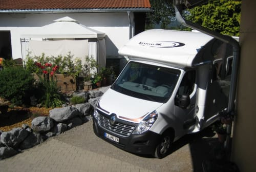 Hire a motorhome in Maierhöfen from private owners| Ahorn Schatzi
