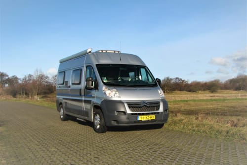Hire a motorhome in Egmond aan Zee from private owners| citroen Luxe BUS CAMPER