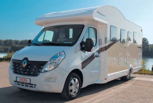 Hire a motorhome in Uetersen from private owners| Ahorn Canada TE