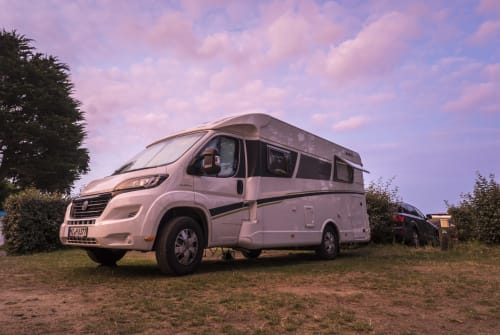Hire a motorhome in Ingelheim am Rhein from private owners| Dethleffs  Der Grüne