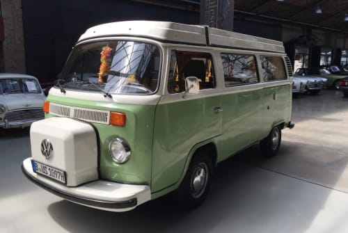 Hire a motorhome in Berlin from private owners| VW Bus T2 B Camper Takatuka