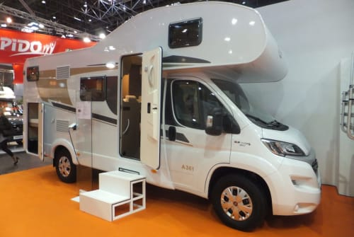 Hire a motorhome in Kelberg from private owners| Carado Family 1 *New*