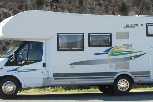 Hire a motorhome in Faro from private owners| Chausson Kuschli