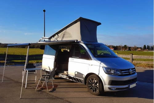 Hire a motorhome in Neutraubling from private owners| VW Rey'seBulli