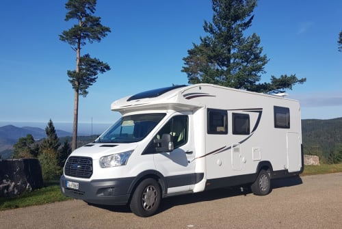 Hire a motorhome in Tübingen from private owners| Roller Team Gaudi