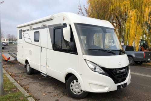 Hire a motorhome in Markkleeberg from private owners| Hymer Findus