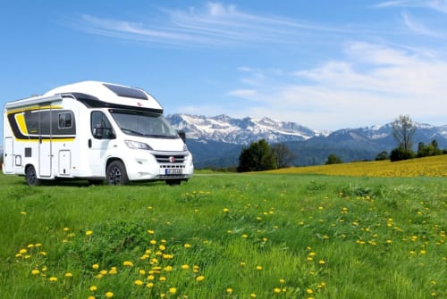 Hire a motorhome in Vordorf from private owners| Bürstner Magellan