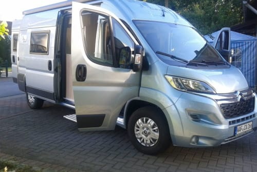 Hire a motorhome in Sassenberg from private owners| Citroen Skyfall