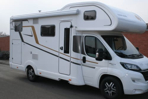Hire a motorhome in Gehrden from private owners| Eura Mobil Hank