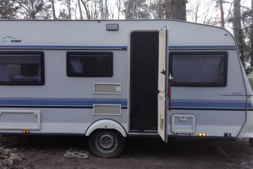 Hire a motorhome in Kremmen from private owners| Hobby Friedrich