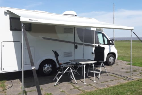 Hire a motorhome in Bottrop from private owners| Carado  Hanni