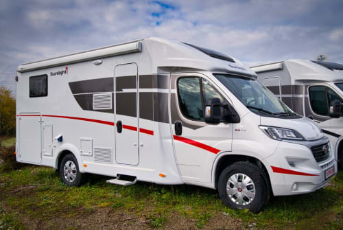 Hire a motorhome in Mindelheim from private owners| Sunlight Sunlight