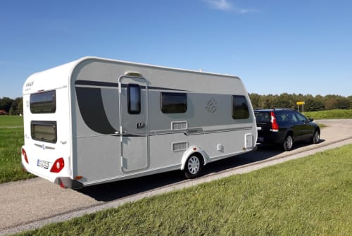 Hire a motorhome in Raubling from private owners| Knaus Weisse Wolke