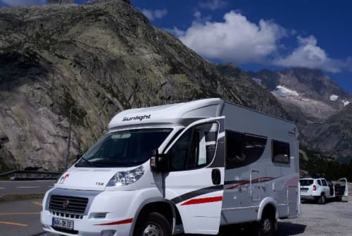 Hire a motorhome in Wutha-Farnroda from private owners| Sunlight Ha.Di.Be.--WoMo