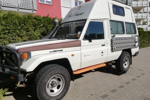 Hire a motorhome in Sindelfingen from private owners  Toyota Landcruiser  Mate I