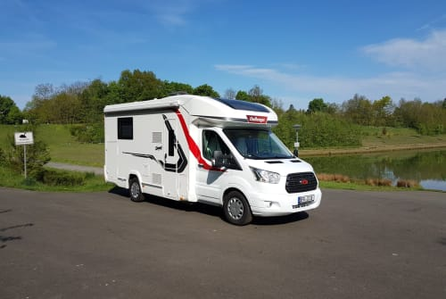 Hire a motorhome in Senftenberg from private owners| Challenger Murckel