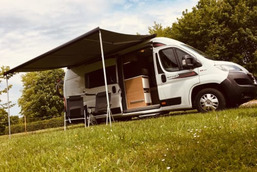 Hire a motorhome in Aachen from private owners| Roller Team Girasol 🌻