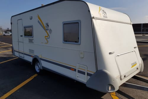 Hire a motorhome in Würselen from private owners| Knaus  KNAUS