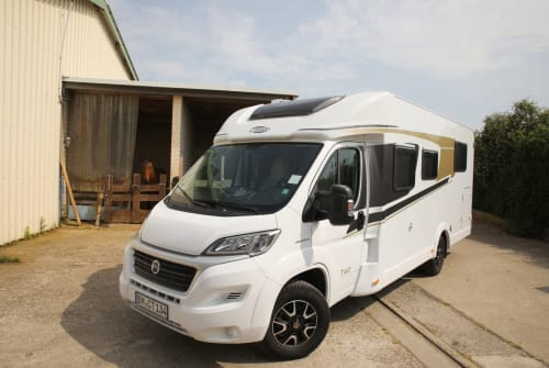 Hire a motorhome in Pulheim from private owners| Carado Büb