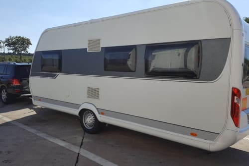 Hire a motorhome in Roth from private owners| Hobby Kuschelkiste