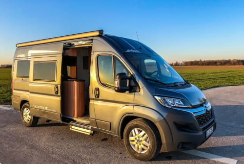 Hire a motorhome in Grevenbroich from private owners| Pössl Pössl Traum