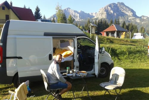 Hire a motorhome in Salzburg from private owners  Renault Timmy