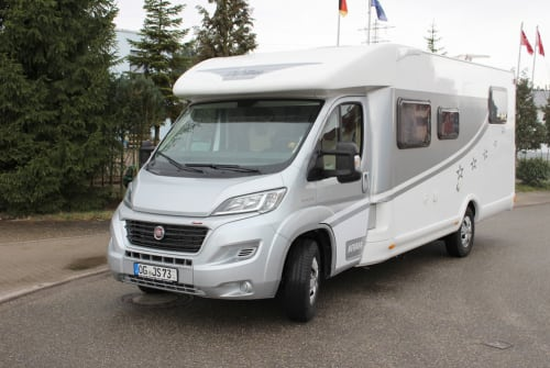 Hire a motorhome in Gengenbach from private owners| Miller Dreamcamp