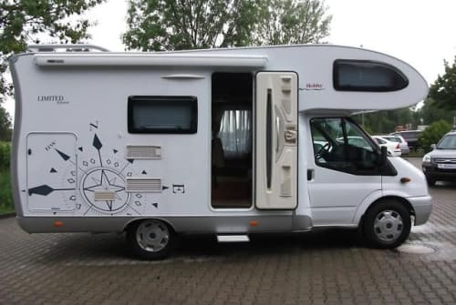 Hire a motorhome in Weingarten from private owners| Ford Hobby H2 Alkoven