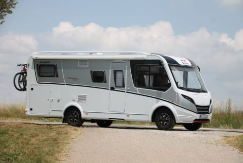 Hire a motorhome in Hungen from private owners| Fiat Ducato Globebus I6GT