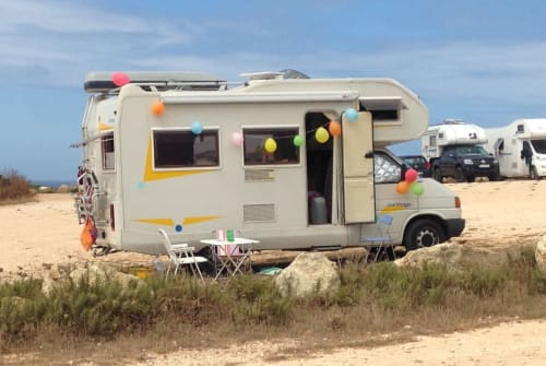 Hire a motorhome in Freiburg im Breisgau from private owners| Volkswagen Carthago Wald-e-mar