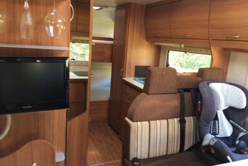 Hire a motorhome in Homburg from private owners| Eura Mobil Oscar