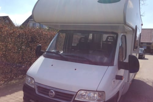 Hire a motorhome in Flensburg from private owners| Fiat mc lois Rudi