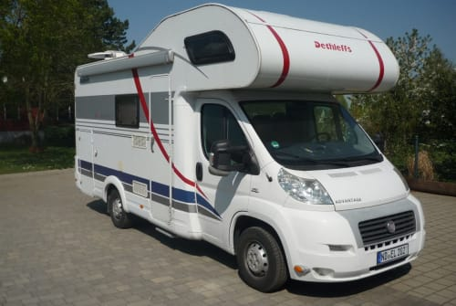 Hire a motorhome in Neuburg an der Donau from private owners| Detthlefs  Forty´s Camper