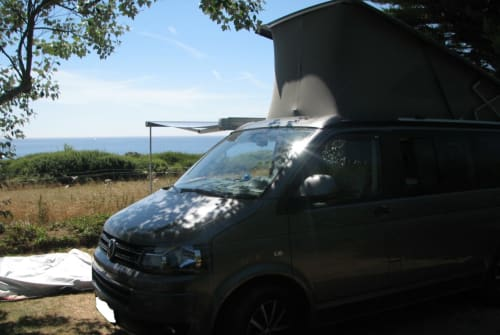 Hire a motorhome in Tübingen from private owners| VW Hotel California