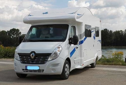 Hire a motorhome in Mannheim from private owners| Ahorn Campi One