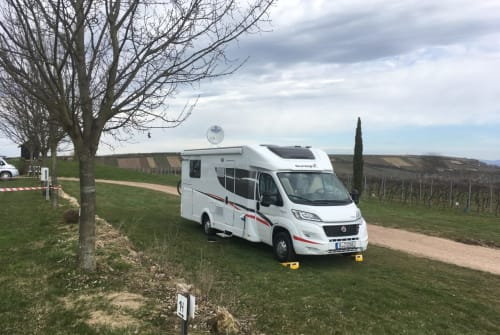 Hire a motorhome in Düsseldorf from private owners  Sunlight Womo Joep