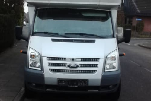 Hire a motorhome in Goch from private owners| Ford Spielmobil