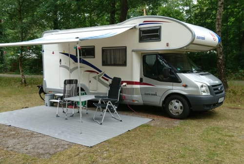 Hire a motorhome in Dänischenhagen from private owners| Euramobil Klausi