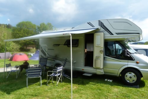 Hire a motorhome in Krefeld from private owners| Ford Traumfänger