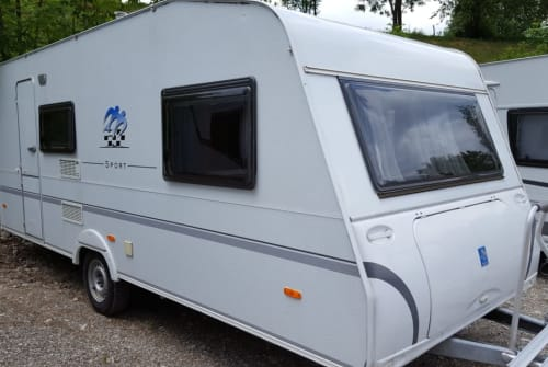 Hire a motorhome in Lenggries from private owners  Knaus  Fämilykutschal