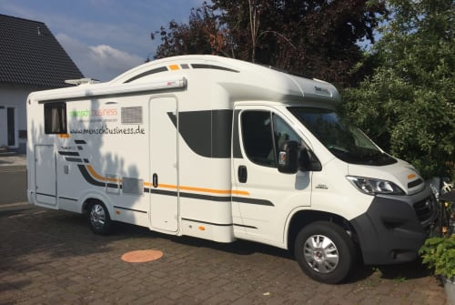 Hire a motorhome in Adelsdorf from private owners  Fiat Willi