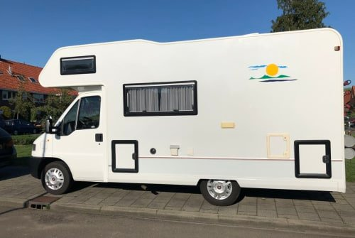 Hire a motorhome in Hilversum from private owners| Fiat Ducato 2.5 Hermes