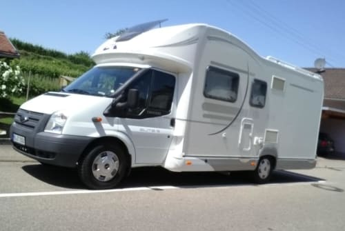 Hire a motorhome in Sankt Leon-Rot from private owners  Ford Womi
