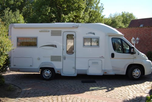 Hire a motorhome in Jork from private owners| Fiat Ducato Friedrich