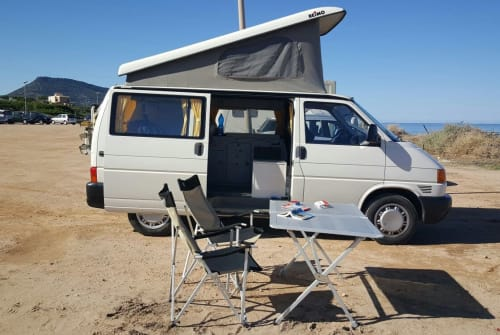 Hire a motorhome in Chiaramonti from private owners| VW Sardinenbüchse