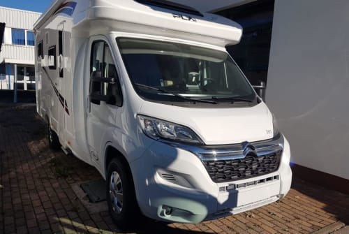 Hire a motorhome in Haßfurt from private owners| P.L.A Happy T385