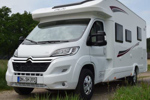 Hire a motorhome in Hürtgenwald from private owners| PLA Silver Line