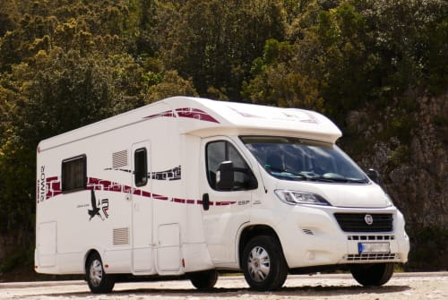Hire a motorhome in Hürtgenwald from private owners| RIMOR Silver Line