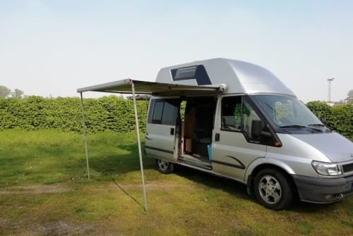 Hire a motorhome in Düsseldorf from private owners| Ford Ford Nugget